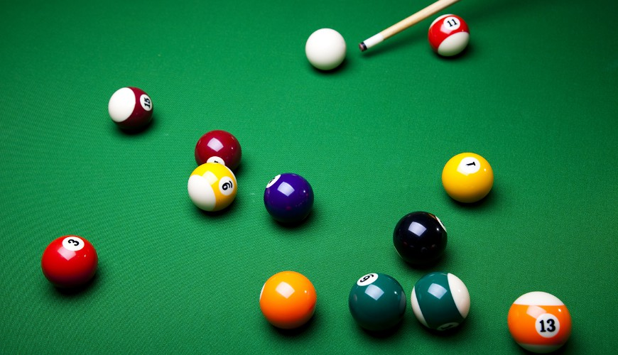 bij het poolbiljartspel 9-ball moet je de ballen in de juiste volgorde potten